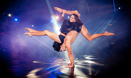 Hand Balance Act, Live Show